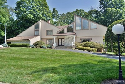 Upper Saddle River Single Family Home For Sale: 10 Mallard Run