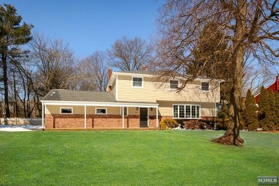 Wyckoff Single Family Home For Sale: 479 Victor Way