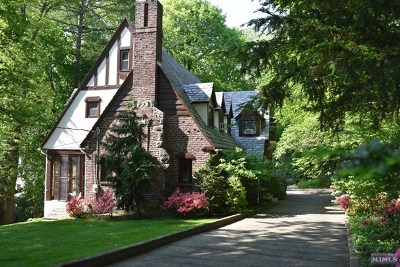 Tenafly Single Family Home For Sale: 7 Edward Court