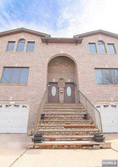 Hudson County Multi Family 2-4 For Sale: 764 Minnie Place