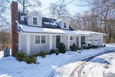 West Milford Single Family Home For Sale: 1990 Macopin Road