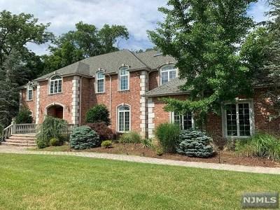 Mahwah Single Family Home For Sale: 75 Seminary Drive