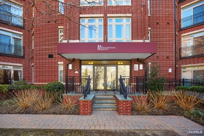 Englewood Condo/Townhouse For Sale: 3310 Riverview Avenue #310