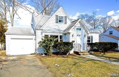 Fair Lawn Single Family Home For Sale: 18-23 Radburn Road