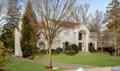 Closter Single Family Home For Sale: 32 Laurence Court