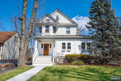 Teaneck Single Family Home For Sale: 125 Bogert Street