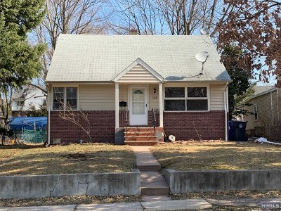 Englewood Single Family Home For Sale: 143 Phelps Avenue