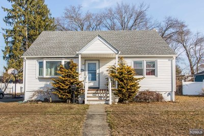 Wanaque Single Family Home For Sale: 16 Park Avenue