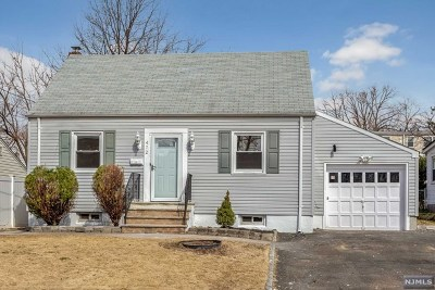Hackensack Single Family Home For Sale: 472 Simons Avenue