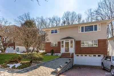 Ridgefield Multi Family 2-4 For Sale: 578 Carpenter Place