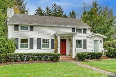 Ho-Ho-Kus Single Family Home For Sale: 16 Crescent Place