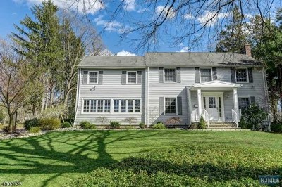 Essex County Single Family Home For Sale: 30 East Drive