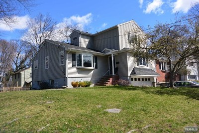 Waldwick Single Family Home For Sale: 15 Grand Avenue