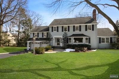 Ridgewood Single Family Home For Sale: 389 Beechwood Road