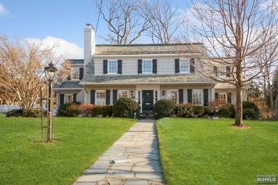Ridgewood Single Family Home For Sale: 305 Gardner Road