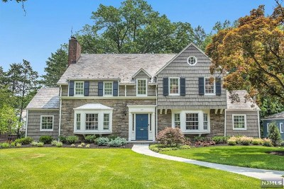 Essex County Single Family Home For Sale: 487 Ridgewood Avenue
