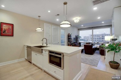 Edgewater Condo/Townhouse For Sale: 9 Somerset Lane #414