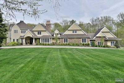 Saddle River Single Family Home For Sale: 8 Old Farms Road