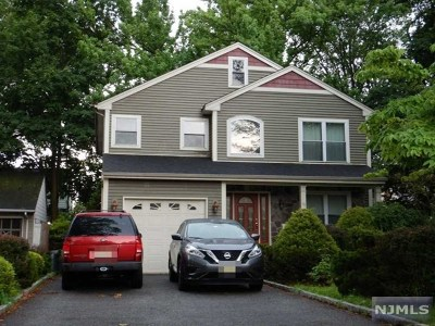 Bergenfield Single Family Home For Sale: 10 New Jersey Avenue