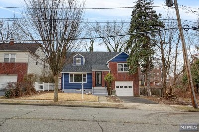 Teaneck Single Family Home For Sale: 100 Amsterdam Avenue
