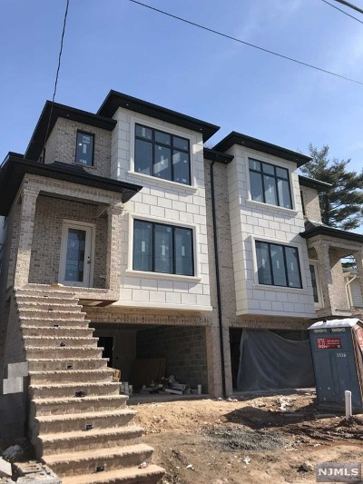 Palisades Park Condo/Townhouse For Sale: 333 East Ruby Avenue #A