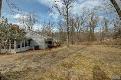 Essex County Single Family Home For Sale: 14 Old Farm Road