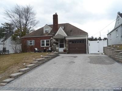 River Edge Single Family Home For Sale: 33 Wayne Avenue
