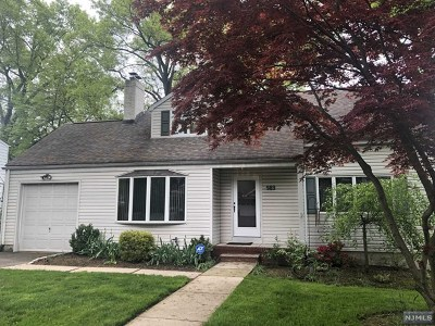 Teaneck Single Family Home For Sale: 989 Sheffield Road