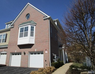 Morris County Condo/Townhouse For Sale: 816 River Place