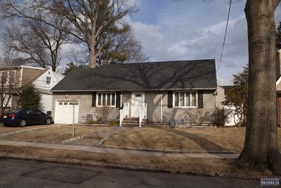 Bergenfield Single Family Home For Sale: 81 Elder Avenue