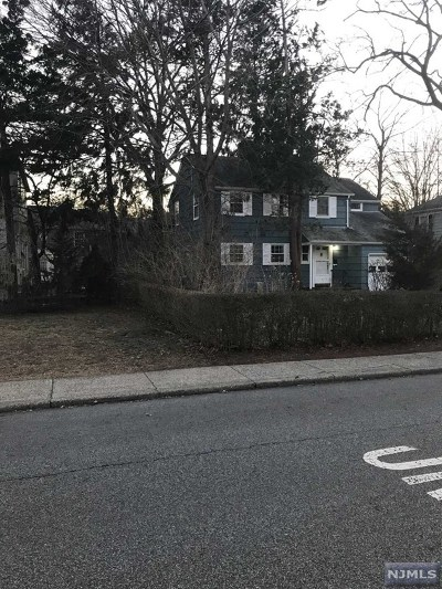 Bergen County Single Family Home For Sale: 19-12 Radburn Road