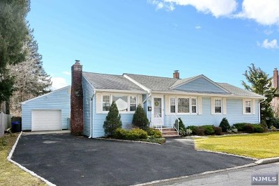 Bergen County Single Family Home For Sale: 35 Dyer Avenue