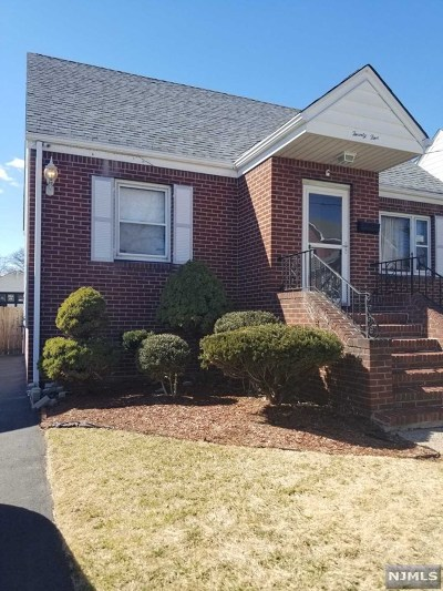 Passaic County Single Family Home For Sale: 25 Curie Avenue