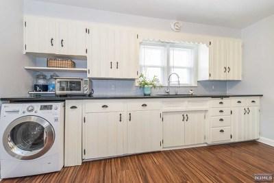 Wanaque Single Family Home For Sale: 129 Jackson Street