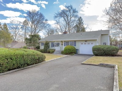 Bergen County Single Family Home For Sale: 50 Woodmere Lane