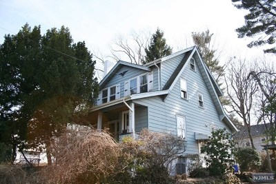 Teaneck Single Family Home For Sale: 206 Selvage Avenue