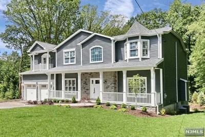 Bergen County Single Family Home For Sale: 720 Orangeburgh Road