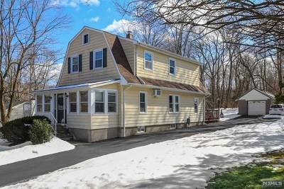 Bergen County Single Family Home For Sale: 172 Yawpo Avenue