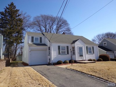 Passaic County Single Family Home For Sale: 60 Linwood Terrace