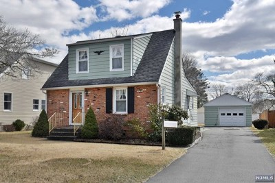 Pompton Lakes Single Family Home For Sale: 23 Romain Avenue