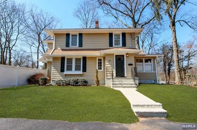 Bergen County Single Family Home For Sale: 40 Saint Albans Place