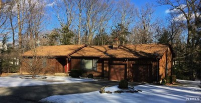West Milford Single Family Home For Sale: 62 Wayside Road