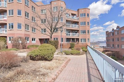 Edgewater Condo/Townhouse For Sale: 506 Penn Court #506