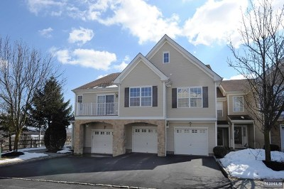 Pompton Lakes Condo/Townhouse For Sale: 139 Mountainside Drive