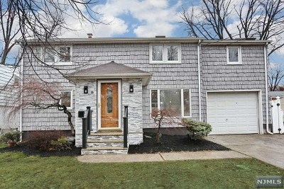 Bergenfield Single Family Home For Sale: 89 New Jersey Avenue