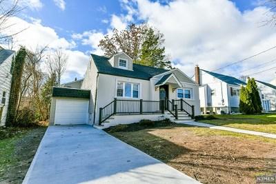 Bergen County Single Family Home For Sale: 12 White Oak Drive