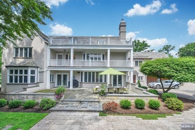 Bergen County Single Family Home For Sale: 256 Hempstead Road