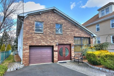 Essex County Single Family Home For Sale: 18 Essex Street
