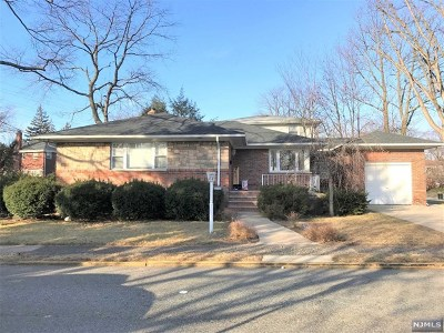 Bergen County Single Family Home For Sale: 1005 Harvard Place