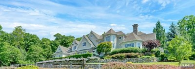 Mahwah Single Family Home For Sale: 174 Halifax Road